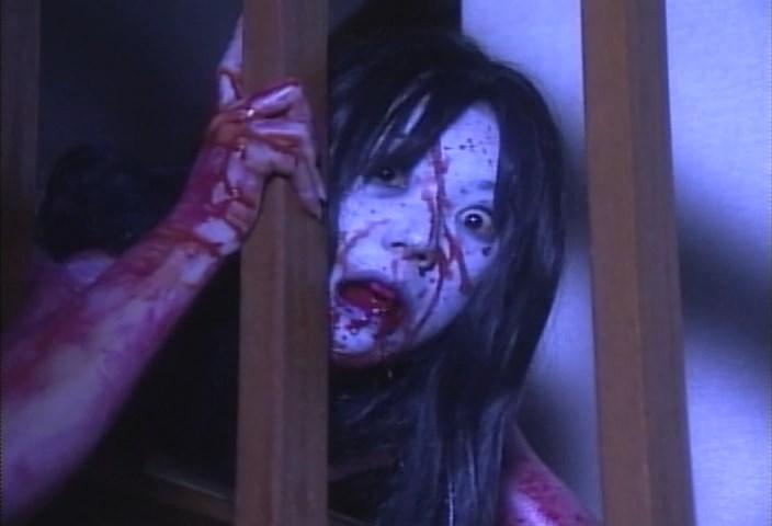 Кадр из фильма «Проклятие» (реж. Такаси Симидзу, 2000)