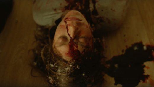 Школьники ходят в кино и погибают в первом трейлере дебютного хоррора Надежды Михалковой