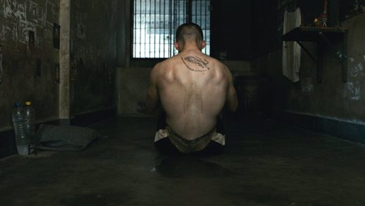 «Бои без правил»: Тюрьма курильщика