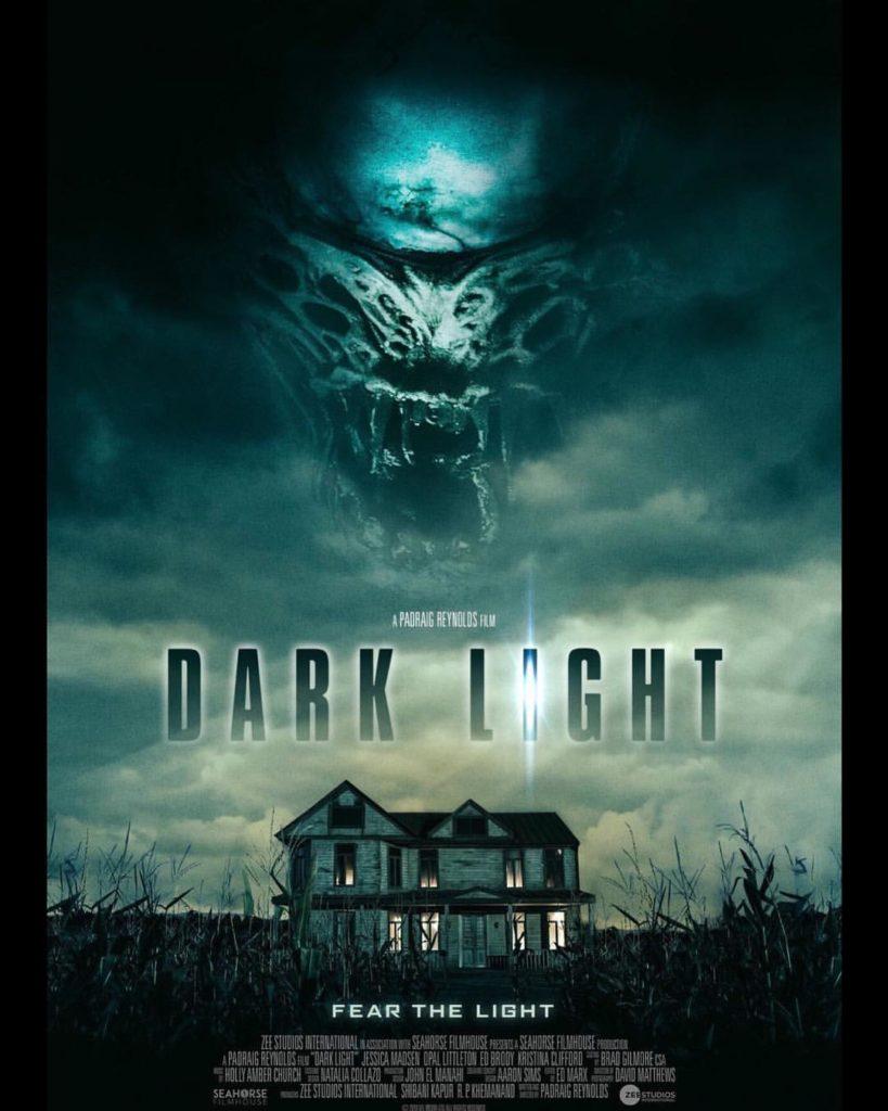 темный свет 2019 постер