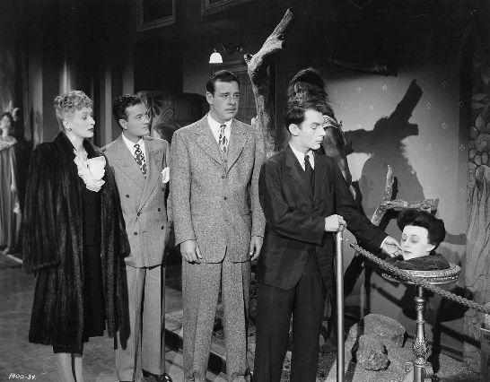 Застывший призрак 1945 - Харольд Янг